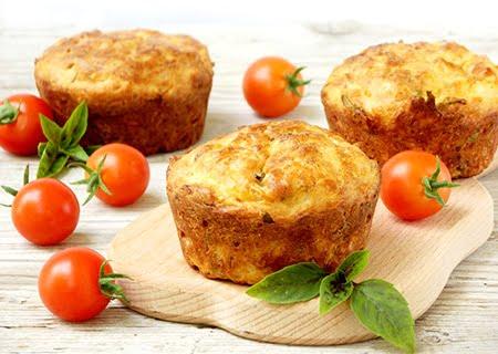 Muffins servidos em mesa