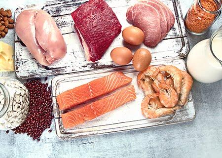 Imagem mostrando uma série de alimentos para melhorar a imunidade