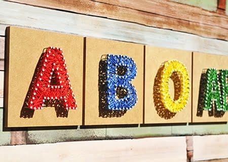 Letras coloridas indicando os diferentes tipos sanguíneos